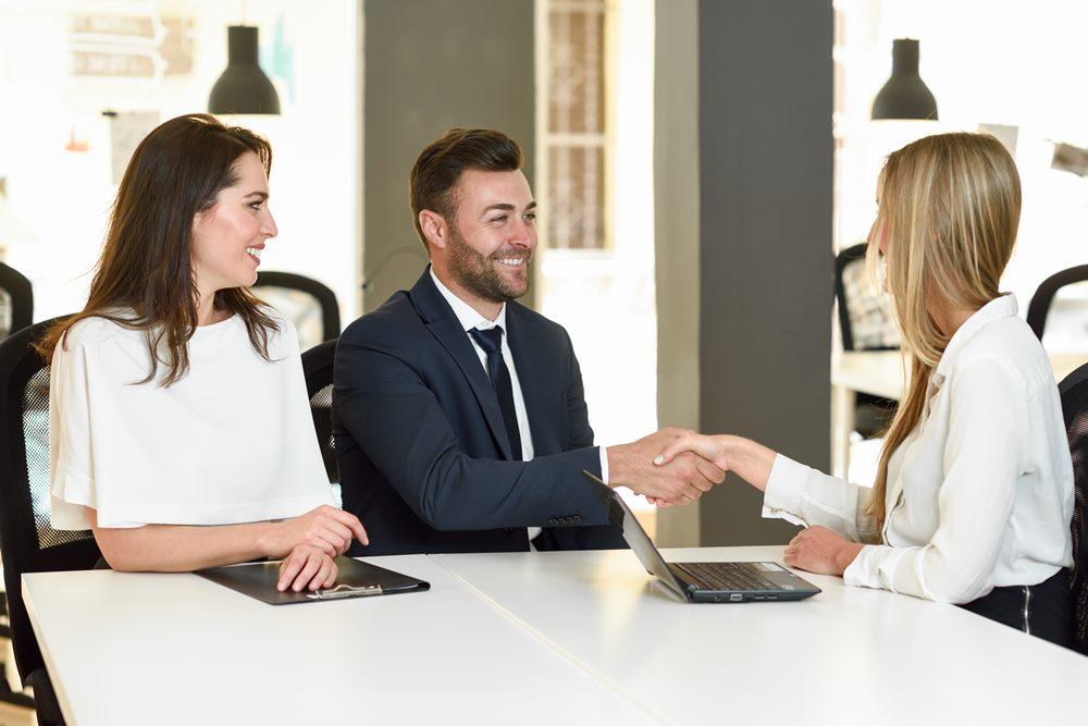 Alasan karir di asuransi